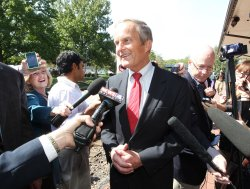 Newt Gingrich visits St. Louis area for Todd Akin campaign