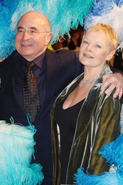 ACTORS BOB HOSKINS AND JUDI DENCH AT MRS HENDERSONS PRESENTS BRITISH PREMIERE