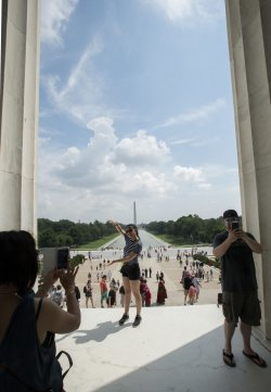 Tourist flock to the Lincoln Memorial in Washington, DC