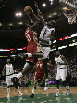 Celtics Garnett blocks Cavaliers Hickson in Boston, MA.