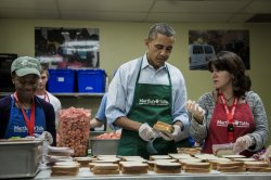 Obama Visits Furloughed Federal Workers in Washington