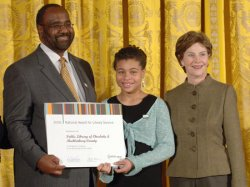 LAURA BUSH HOSTS NATIONAL MUSEUM, LIBRARY AWARDS