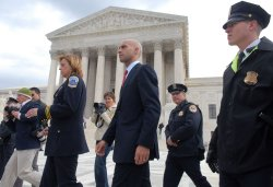 U.S. Supreme Court hears arguments on DC's gun band in Washington