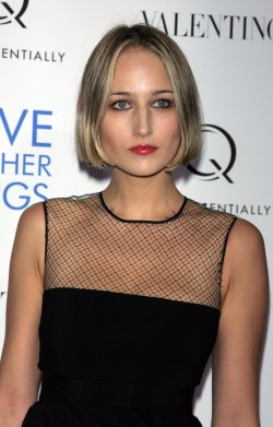 """LeeLee Sobieski arrives for the premiere of """"Love & Other Drugs"""" in New York"""