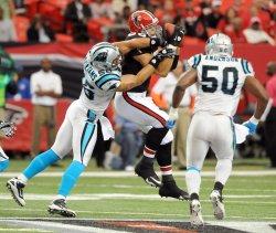 Falcons Tony Gonzalez catches a pass in Atlanta