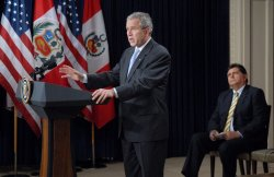 Bush signs the US-Peru Trade Promotion Act in Washington