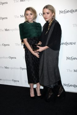 """Mary Kate and Ashley Olsen arrive for the Metropolitan Opera's Premiere of """"Le Comte Ory"""" in New York"""