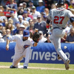 Braves Lee safe on error against Cubs in Chicago