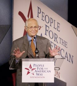 NORMAN LEAR INTRODUCES BILL MOYERS AT AWARDS DINNER