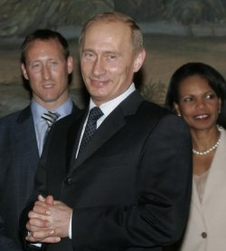 RUSSIAN PRESIDENT PUTIN MEETS WITH G8 FOREIGN MINISTERS IN MOSCOW