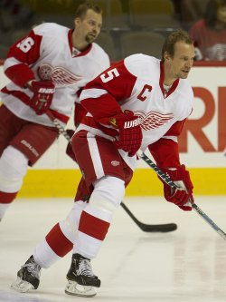 Red Wings Lidstrom and Holmstrom Skate During Warm Ups in Denver