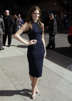 Allison Williams arrives at the Late Show with David Letterman at The Ed Sullivan Theater in New York