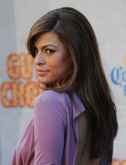 """Eva Mendes arrives at Spike TV's """"Guys Choice"""" Awards in Culver City, California"""