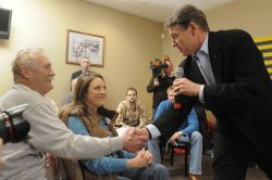 Texas Gov Perry makes a campaign stop in Indianola, Iowa