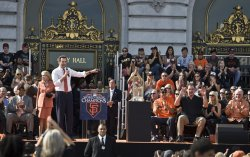 Mayor Gavin Newsom gives praise to Giants manager Bruce Bochy at a civic celebration in San Francisco