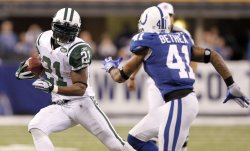 Jets Tomlinson Runs Against Colts Bethea