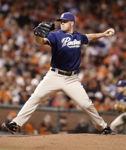 Padres Clayton Richard throws to the Giants in San Francisco