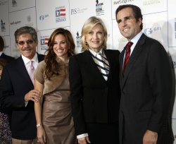"Geraldo Rivera, Diane Sawyer and Bob Woodruff arrive for the ""Stand Up For Heroes"" Benefit in New York"