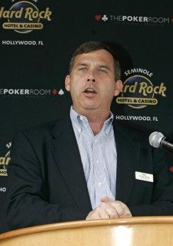 Barry Gibb kicks off poker tournament in Hollywood, Florida