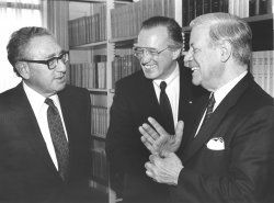 Henry Kissinger meets with Helmuth Schmidt and Heinz Ruhnau
