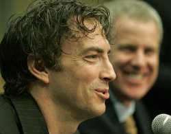 COLORADO AVALANCHE CAPTAIN SAKIC SIGNS ONE-YEAR DEAL
