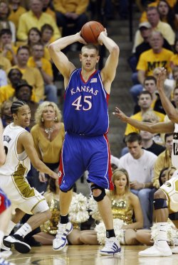 KU's Aldrich leaving early for NBA