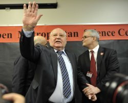Gorbachev Speaks to Students in Chicago