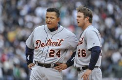Tigers' Cabrera, Boesch stand on field against White Sox in Chicago