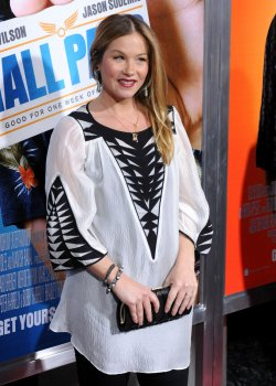 "Christina Applegate attends the ""Hall Pass"" premiere in Los Angeles"