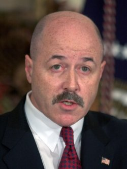 BUSH NAMES FORMER NYC POLICE COMMISSIONER TO HEAD HOMELAND SECURITY