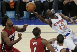 New York Knicks Jerian Grant puts up an off balance shot