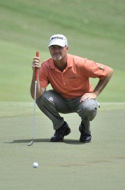 Kelly lines up putt at 93rd PGA Championship