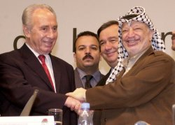 Arafat, Perez Meet in Lisbon