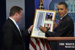 Obama bids farewell to Press Sec. Gibbs in Washington
