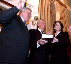 Members of the 108th Congress sworn in