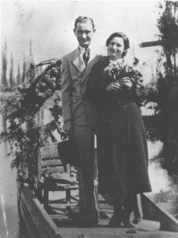 Old photo of Lydon Baines Johnson and Claudia Alta Taylor (Lady Bird) Johnson