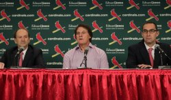 St. Louis Cardinals manager Tony La Russa retires