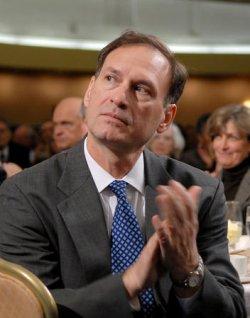 BUSH SPEAKS AT NATIONAL PRAYER BREAKFAST IN WASHINGTON