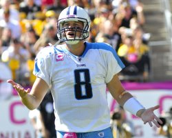 Tennessee QB Hasselbeck calls timeout in Pittsburgh