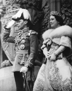 King George VI and Queen Elizabeth in front of the Parliament Building in Ottowa