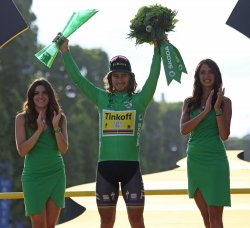 Peter Sagan wins green jersey at the Tour de France in Paris