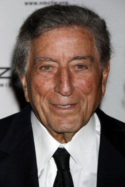 Tony Bennett arrives for the Norman Mailer Center's Third Annual Benefit Gala in New York