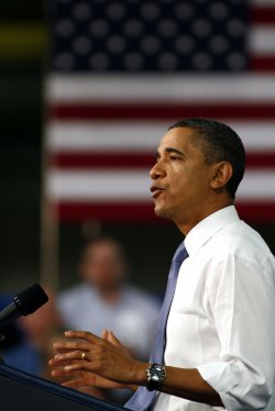 US President Barack Obama speaks to workers at the Daimler Trucks Freightliner plant in Mount Holly, North Carolina