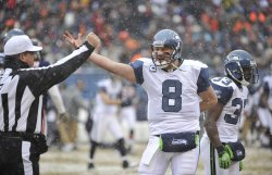 Seahawks Hasselback complains against Bears in Chicago