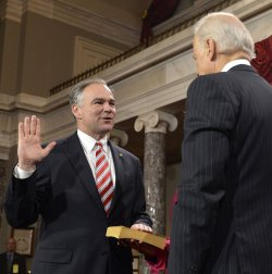 Newly- elected Sen. Tim Kaine sworn in to begin 113th Congress on Capitol Hill