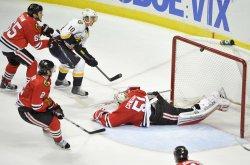 Predators Erat hits post with shot against Blackhawks in Chicago