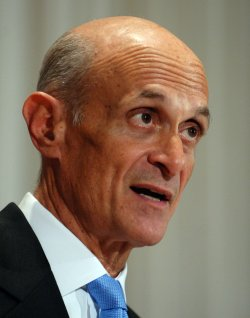 Chertoff outlines RealID program in Washington