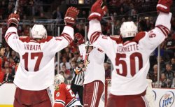 Coyotes celebrate Pyatt's goal in Chicago
