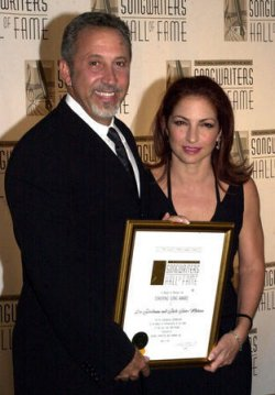 GLORIA ESTEFAN HONORED BY THE SONGWRITERS HALL OF FAME