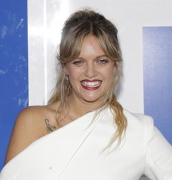Tove Lo arrives at the 2016 MTV Video Music Awards